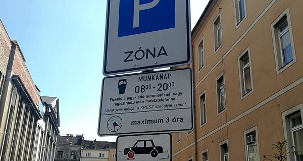 Május 25-től megszűnik az ingyenes parkolás